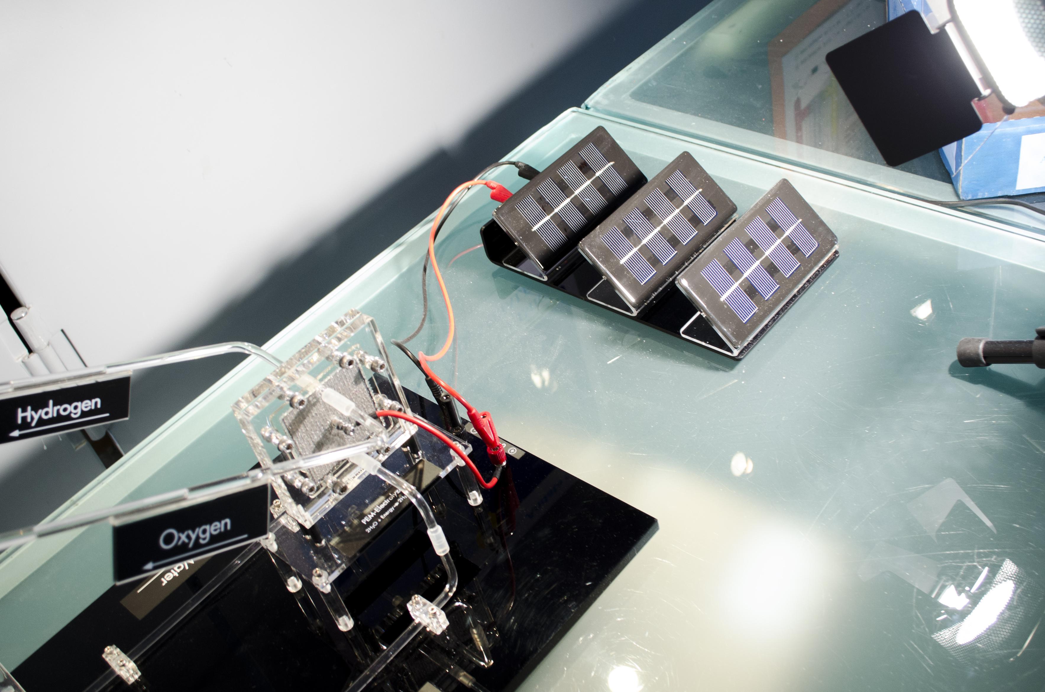 Pannello Solare Ibrido Ad Idrogeno : Ludoteca scientifica idrogeno energia per il futuro